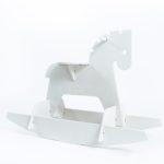 hobune valge